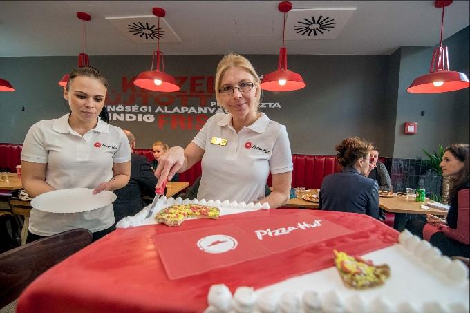 A Pizza Hut méltán híres a minőségi alapanyagokból készült friss pizzáiról 5a98365fc5